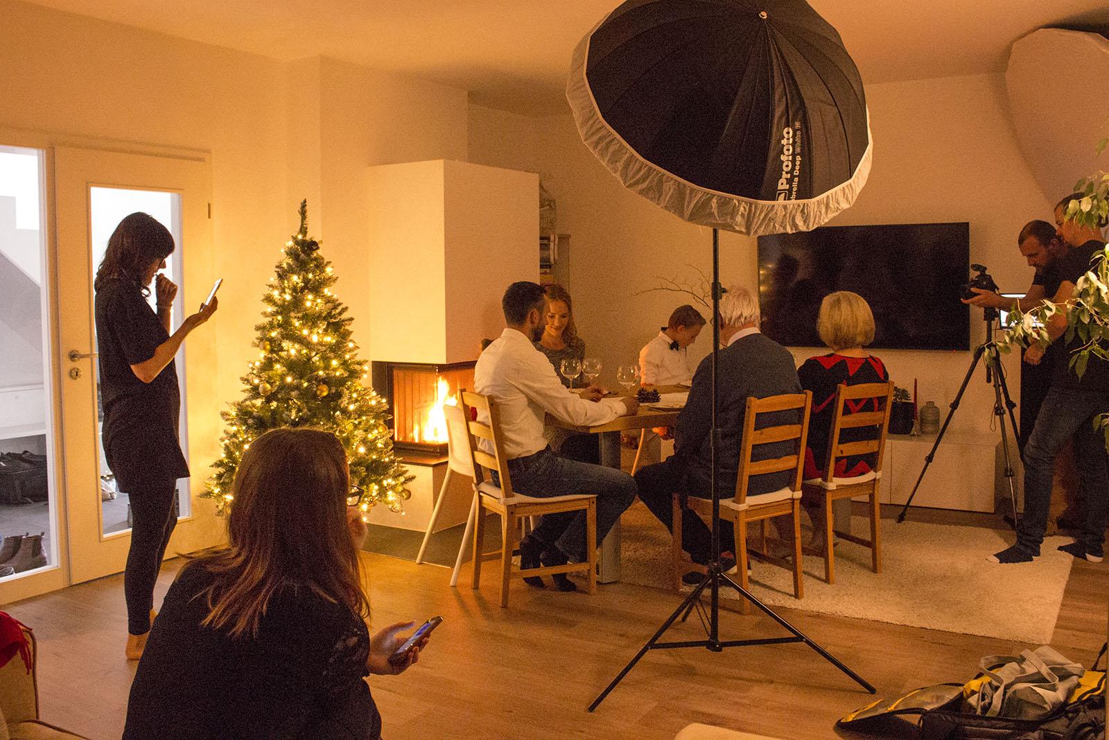 Sitzprobe an der Weihnachtstafel.