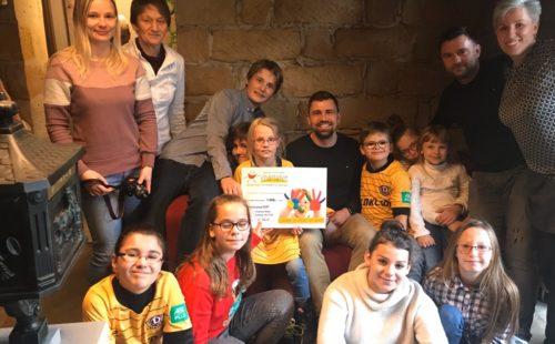 Beitragsbild - Korch spendet 2000 Euro für Kinderheime